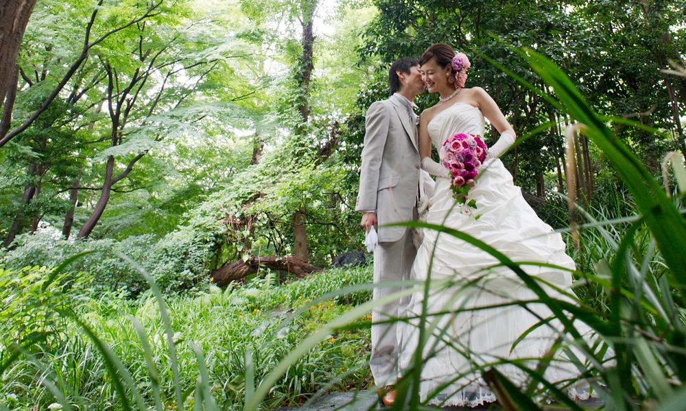 おふたりとご両家のサポーターとして楽しく結婚準備を進めるお手伝いをしています。