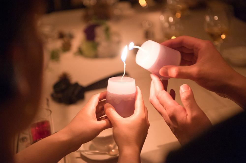 家族・友人と過ごす 温かさが灯る大人クリスマスウェディング