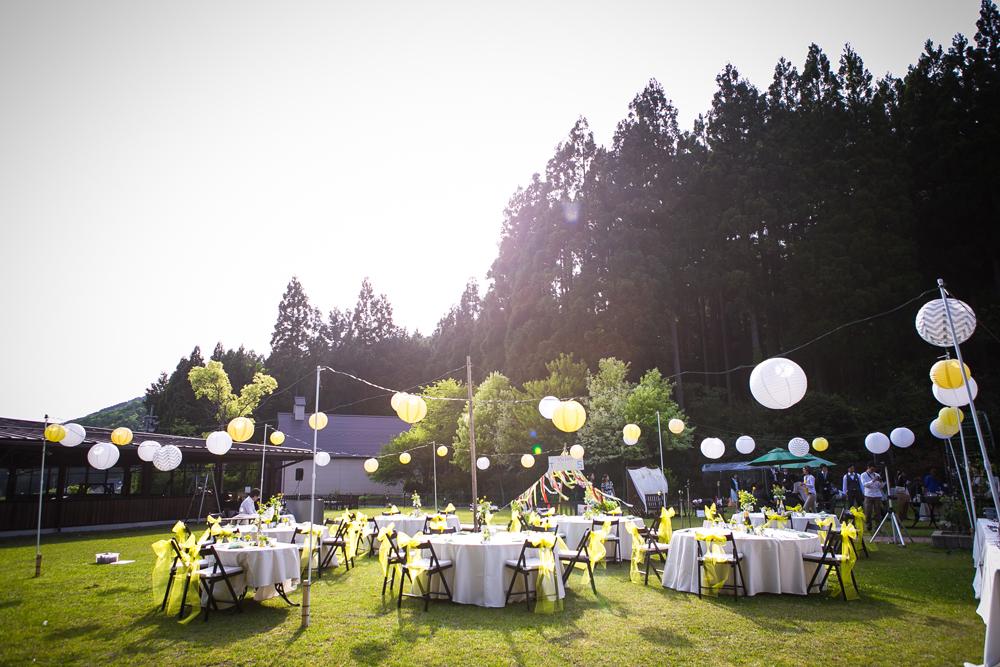 山に囲まれた自然の中で、この日だけひっそりと開かれる特別なフェス! その名もTOMY FES!!
