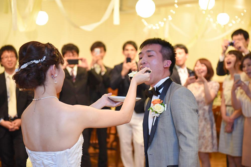 面白いこと大好きなお二人の自由な結婚式!