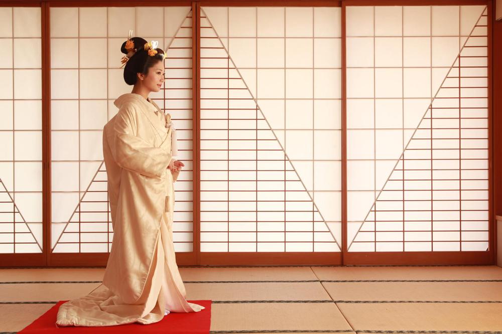 大正・昭和のアンティーク花嫁衣裳が超おしゃれ!【白無垢・色打掛】