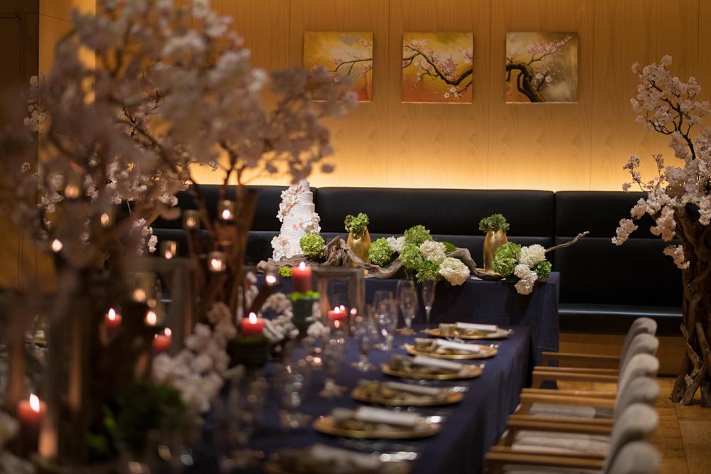 世界中から愛される桜(サクラ)に人が集まるように二人を祝福する人たちが集う特別なウェディング空間